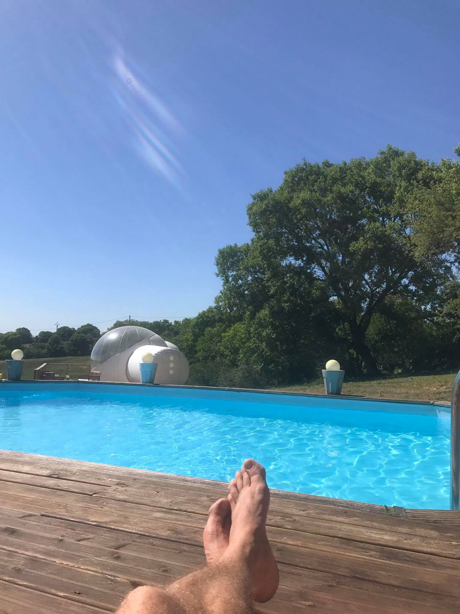 http://www.noct-enbulle.fr/wp-content/uploads/2017/10/piscine-noct-enbulle-hotel.jpg